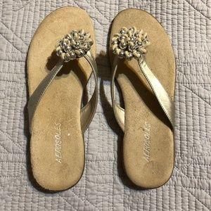 Aerosoles Sandals - Beige, gold  and Silver Size 6
